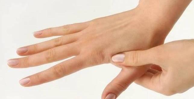Bas-Agrinizi-30-Saniyede-Gecirecek-Akupunktur-Yontemi-s-1.jpg