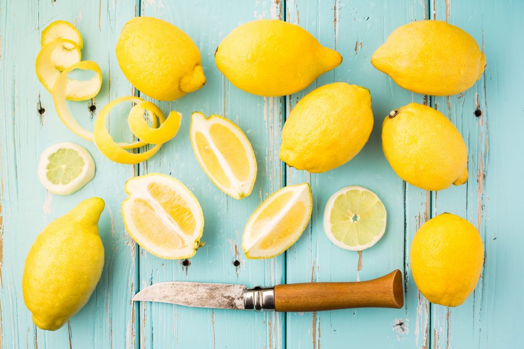 Lemon-essential-oil2-1024x682.jpg