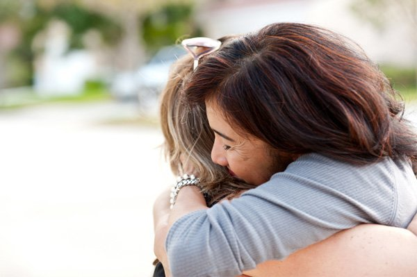 forgive-woman-hugging.jpg
